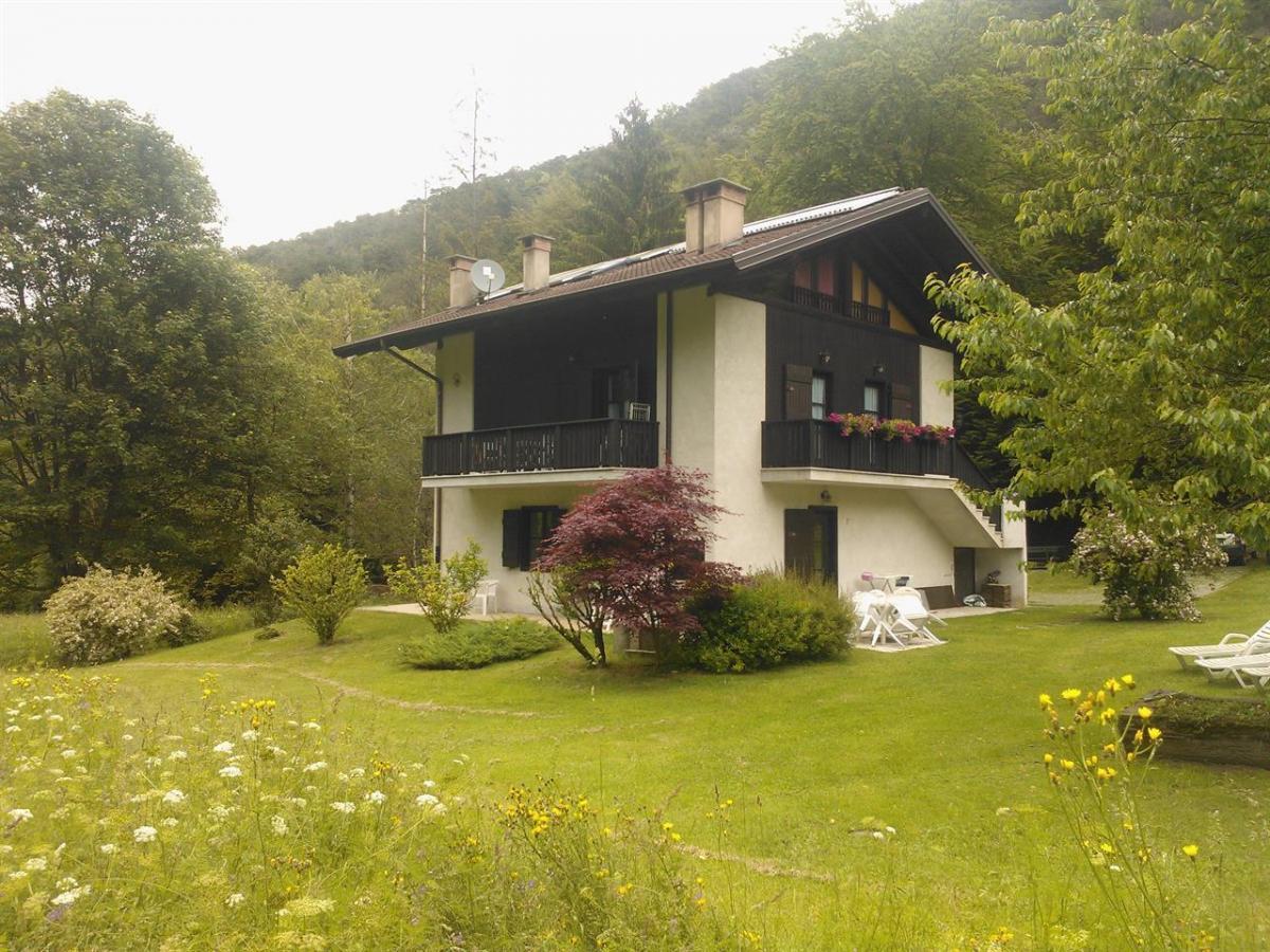 Appartamento casa pellegrini esercizi turistici ledro for Sito web dove puoi costruire la tua casa