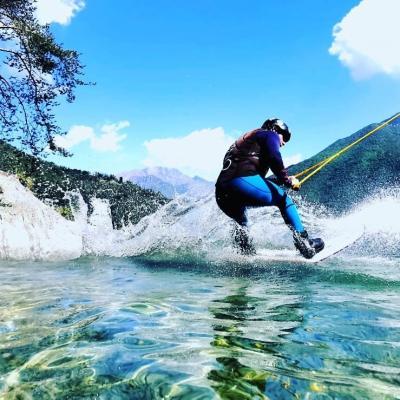 WAKEBOARD ON CRISTALLINE WATER
