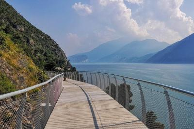 PANORAMIC VIEW ON LAKE GARDA