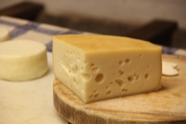 giugno-formaggio-pellegrini_11.JPG